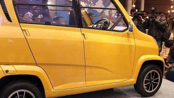 Bajaj Auto unveils low-cost 4-wheeler 'RE60'