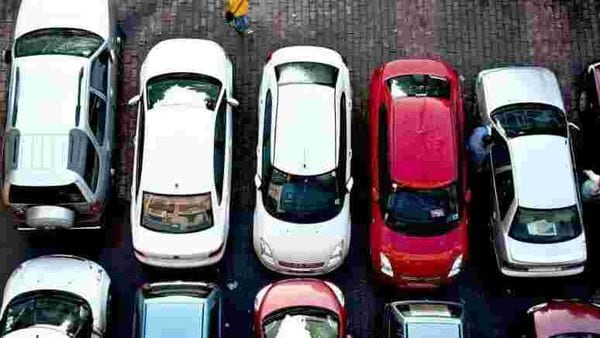 Now, car that shrinks into half to squeeze into tight parking slots!