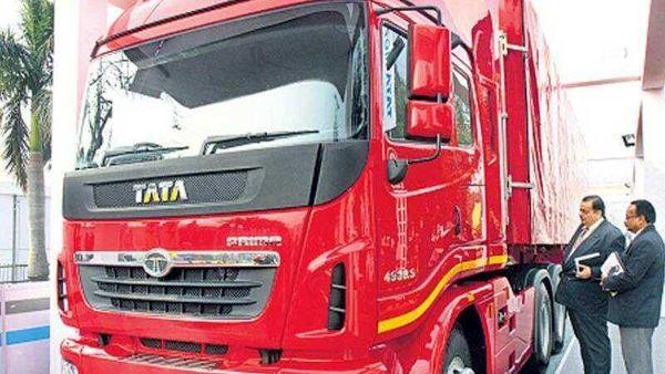 Tata-Motor-s-Prima-at-the-New-Delhi-Auto-Expo
