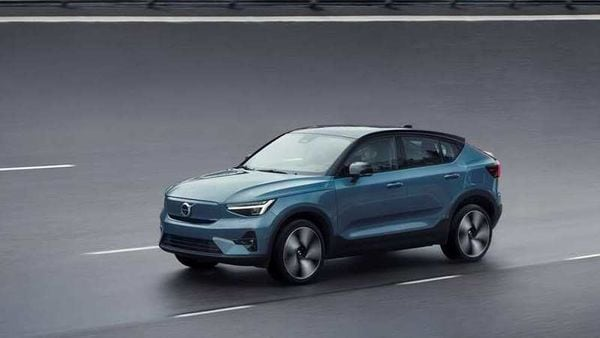 The 2.2-ton crossover accelerates from zero to 100 kmph in just under 5 seconds. The maximum speed of the vehicle is 180 kmph.