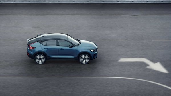 Volvo has launched new all-electric C40 Recharge with more than 400-kms range