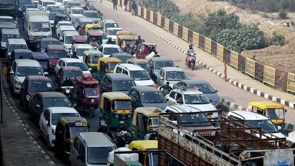 Heavy traffic jam seen at Delhi Ghazipur border.