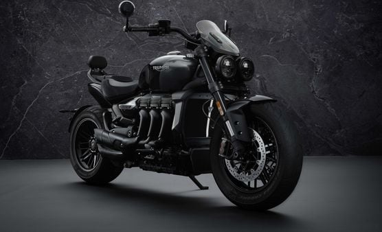 Triumph Rocket 3 R Black features an all-blacked out theme on the outside.