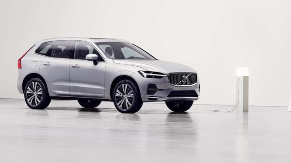 India-bound Volvo XC60 facelift unveiled with new Android-based infotainment.
