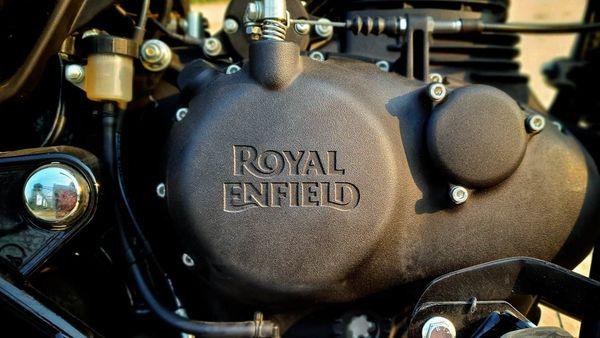 Royal Enfield developed a new 349 cc unit boasting a SOHC two-valve head replacing the older pushrod-valve system.