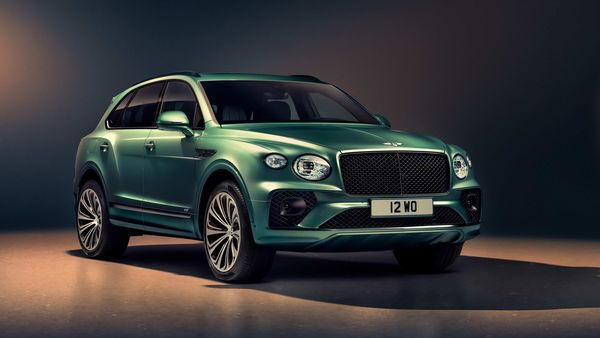 2021 Bentley Bentayga facelift SUV is powered by a 4.0-litre, twin-turbocharged V8 petrol engine.