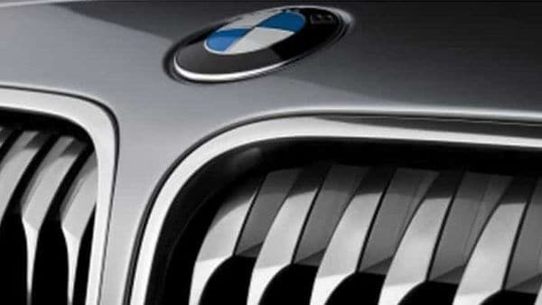 BMW-is-building-hydrogen-fuel-cell-test-cars-but-is-uncertain-about-production-models-Photo-AFP