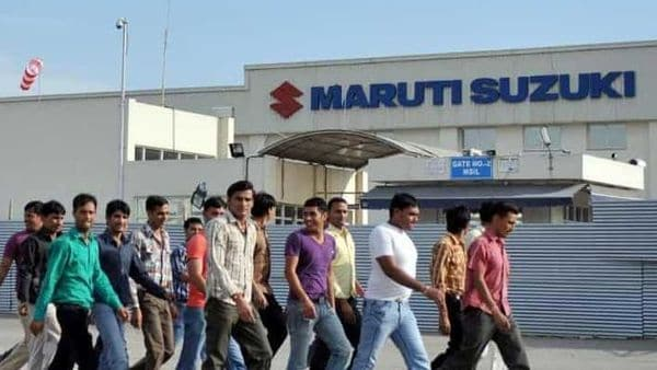 Sympathisers-of-Maruti-Suzuki-employees-arrive-at-the-Maruti-Suzuki-plant-in-Manesar-on-the-outskirts-of-New-Delhi