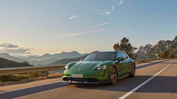 Porsche Taycan Cross Turismo EV
