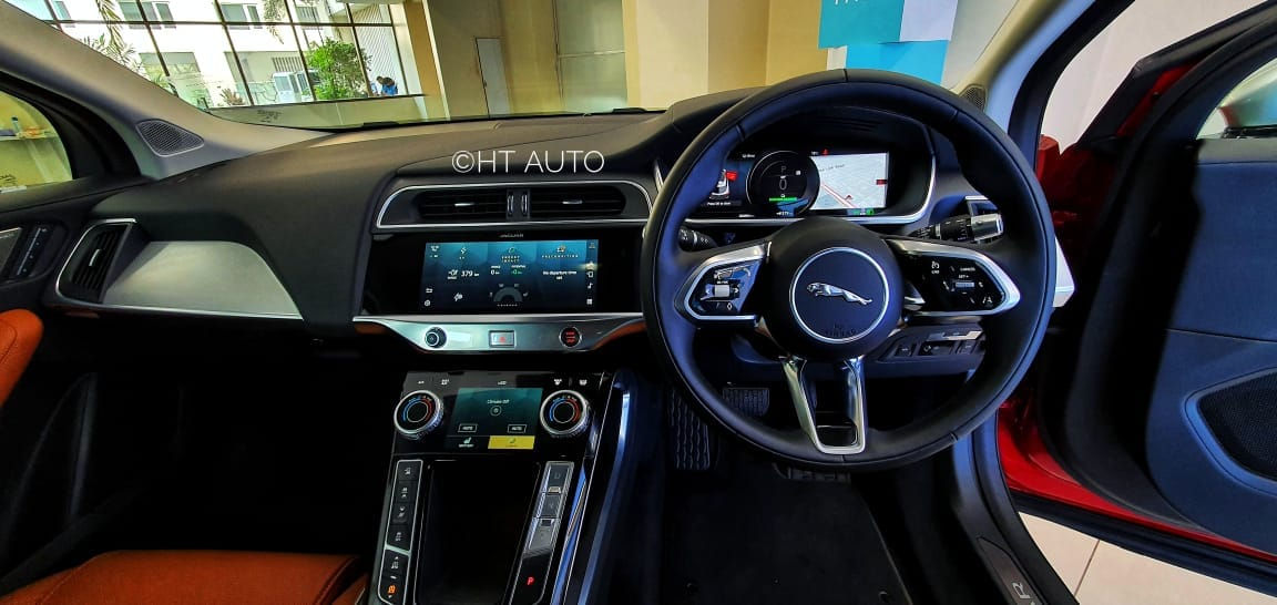 The cabin of the jaguar I-Pace looks futuristic with the carmaker's latest Pivi Pro infotainment system. A 16-speaker 380 watt Meridian 3D surround audio system, wireless charging and a PM 2.5 air filter are some highlights. (Image: HT Auto/ Sabyasachi Dasgupta)