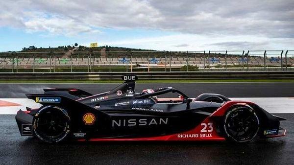 Nissan e.dams race car
