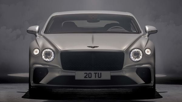 The Continental GT Speed features a Dark Tint finish on the grille, front bumper intakes and side sills. 22-inch wheels are standard and 'Speed' badging adorns the exterior body much like a precious jewel.