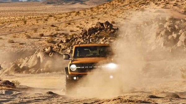 2021 two-door Bronco Black Diamond series in Cyber Orange Metallic Tri-Coat with available Sasquatch off-road package.