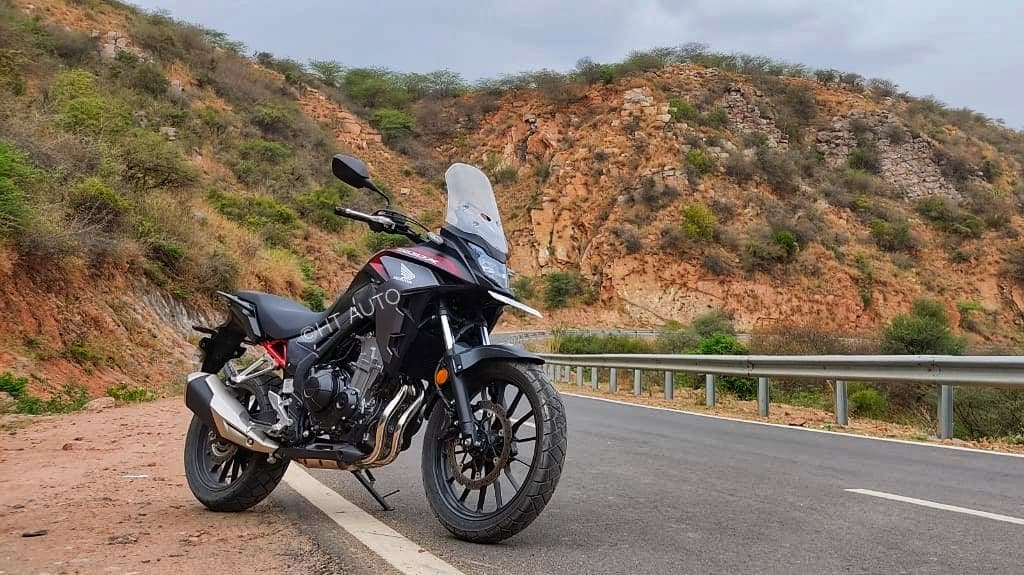The CB500X features a 471cc, eight-valve, liquid-cooled, parallel twin-cylinder engine that churns out 47bhp of power at 8,500 rpm and 43.2 Nm of torque at 6,500 rpm. It comes mated to a six-speed gearbox which also gets an assist and a slipper clutch mechanism. (Image Credits: HT Auto/Prashant Singh)