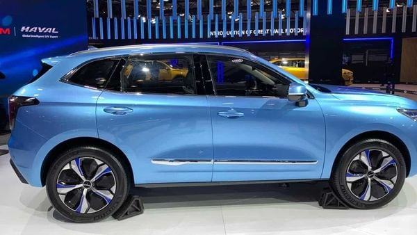 The company will also deploy its hydrogen-powered cars during the Winter Olympics in China next year.