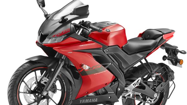 Apart from the new Metallic Red paint scheme, there is no other change on the Yamaha YZF R15 V3.0.