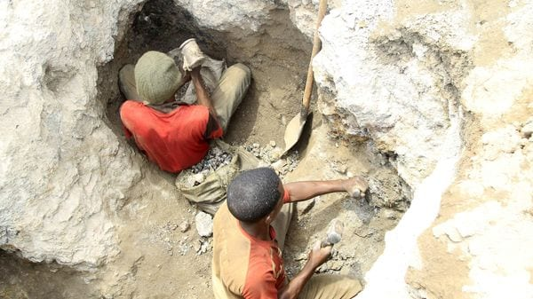 Artisanal miners work at a cobalt mine-pit in Tulwizembe, Katanga province, Democratic Republic of Congo. (REUTERS)