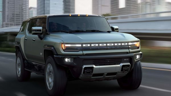 General Motors recently uncovered its much-hyped 2024 Hummer EV SUV which is offered in four different trims – EV2, EV 2X, EV 3X, and Edition 1. It comes with a host of modern features and carries the signature Hummer appearance.