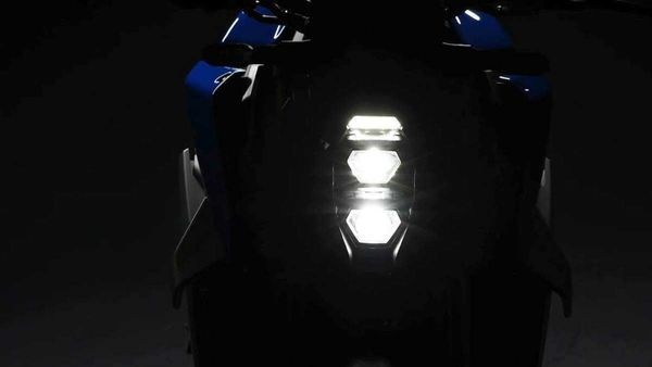 The updated Suzuki GSX-S1000 gets an aggressive appearance with the restyled headlamps and winglets.