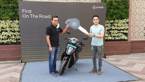 A customer getting delivery of the Ather 450X in Delhi. Image Credits: Ather Energy