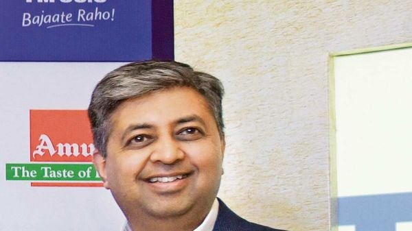Hero Electric Managing Director Naveen Munjal thinks that the government needs to rejig its EV policy to help more people adopt electric vehicles. (MINT_PRINT)