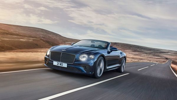 Bentley has unveiled the convertible version of the Continental GT Speed.