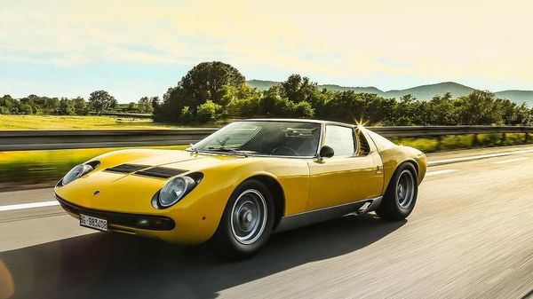 Lamborghini Miura SV had the capability to cover one kilometer from standstill position in just under 24 seconds.