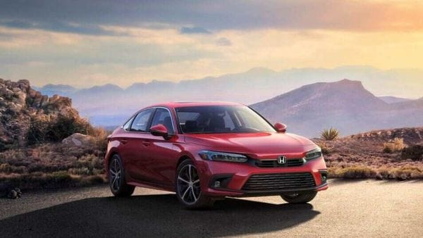 Honda Civic 2022 gets several design changes compared to the model it will replace.