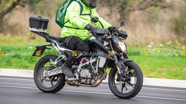 2022 KTM 250 Duke will make its global debut later this year. Image Credits: RideApart