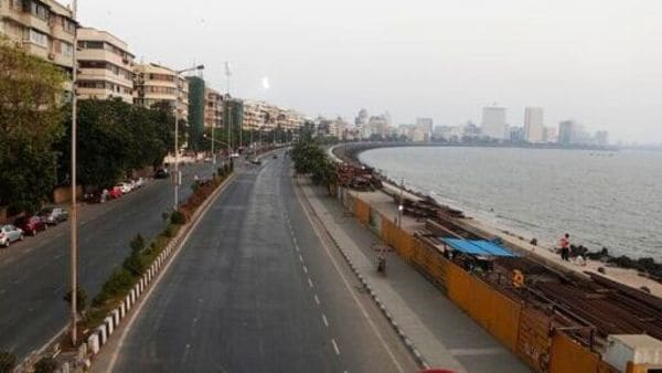 Marine line wears a deserted look following restrictions in Mumbai. (AP)
