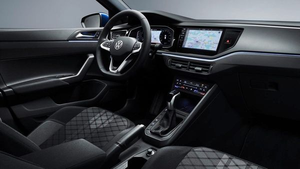 The cabin of the Polo 2021 features a new 8-inch Digital Cockpit that comes standard, with an option of a bigger 10.25-inch screen in the top-spec trim.