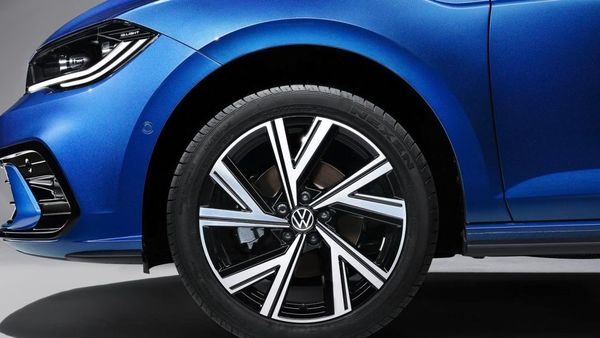 The alloy wheels are also updated with new designs, and are now offered in options ranging from 15 to 17 inches.