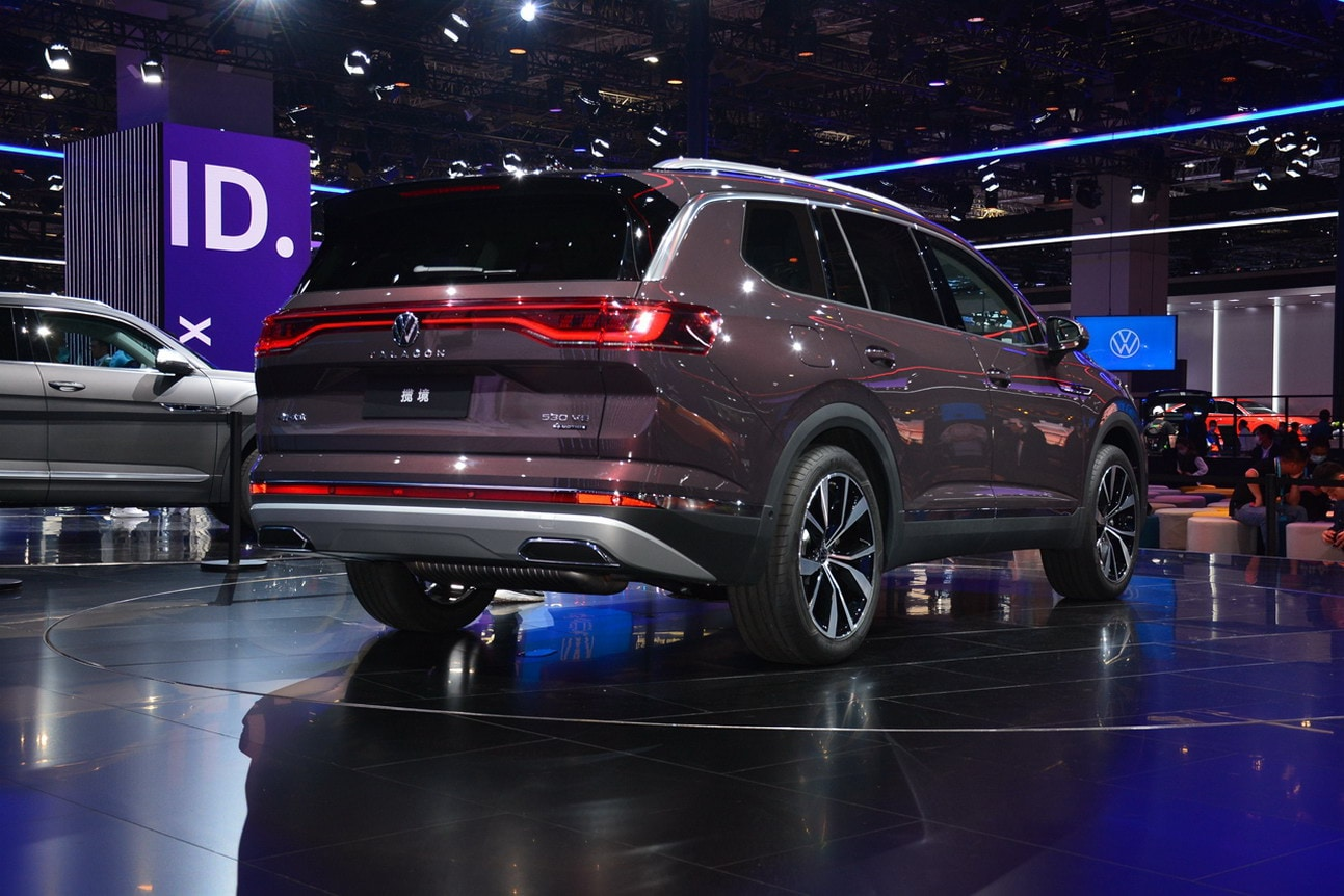 The SUV comes with LED lighting package, muscular bumpers, skid plates and shiny appealing overall design. (Image: AutoSina)