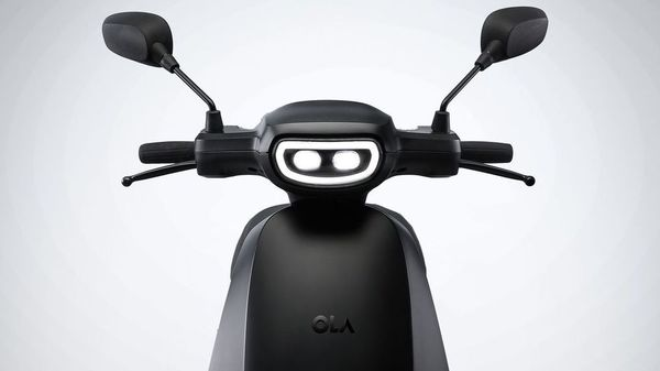 Ola's upcoming e-scooter will come based on Etergo's Appscooter, a Netherlands-based company that was acquired by Ola previously. The scooter will have a claimed range of 240 km and is said to feature a removable battery set up.