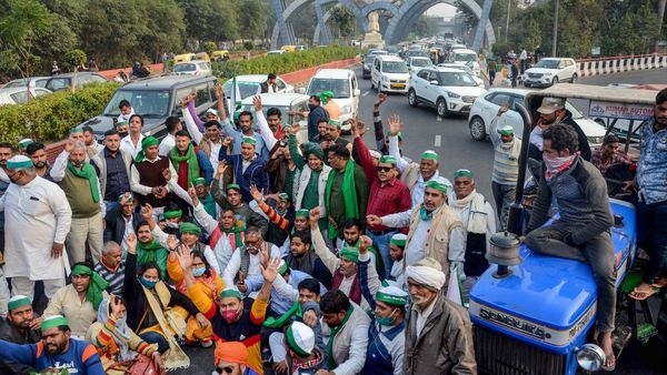File photo of farmers staging a protest at Delhi-Noida border against new farm laws on Dec 2. (Representational photo) (PTI)