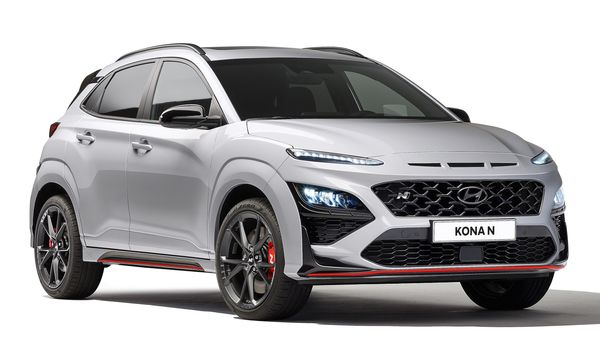 The 2021 Hyundai Kona N is aesthetically characterised by a sporty look starting from the revised front with a new grille. It also gets larger air intakes and a splitter embellished with a red profile, which then extends along the side profile and up to the rear diffuser.