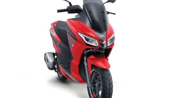 Aprilia SXR 125 takes inspiration from the bigger SXR 160 maxi-scooter.