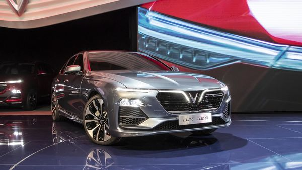 VinFast showcases its LUX A2.0 sedan at the Paris Motor Show in 2018. (Photo courtesy: Twitter/@VinFastofficial)