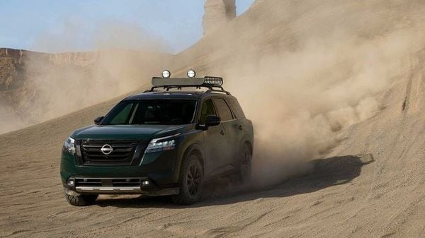 Pathfinder 4WD drive models feature Nissan's all-new Intelligent 4WD with 7-position Drive and Terrain Mode Selector. The SUV will come with seven drive modes including Standard, Sport, Eco, Snow, Sand, Mud/Rut and Tow.