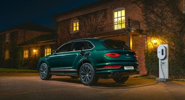 Bentley Mulliner does make an elegant one-off Bentayga Hybrid and is hued in Viridian, a dark emerald colour from the Mulliner extended paint range. (Bentley)