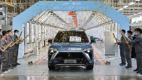 As NIO claims, the company delivered 7,102 electric cars in the Chinese market.