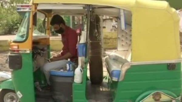 Javed had saved some money to repay the loan of his autorickshaw, but now he is using that money to bear the household expenses.