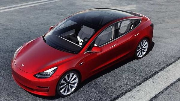 US tariffs of 25% on electric cars imported from China, imposed under former US President Donald Trump mean Tesla now plans to restrict the proportion of its global production that's made in China.