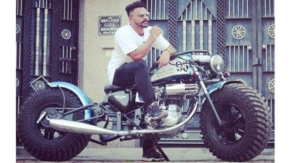 Many custom bike garages around the country specialize in working on Royal Enfield bikes. Image Courtesy: Instagaram/_mani_gill_1322_