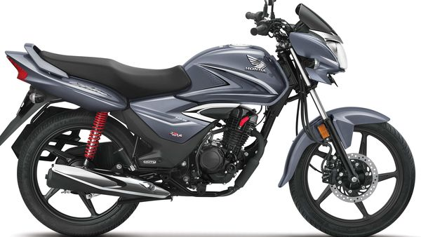 Honda Shine competes in the 125 cc motorcycle category.