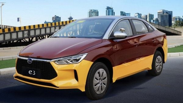 The manual model of the BYD e3 electric sedan is priced at $20,500, while the automatic variant is priced at $22,055.