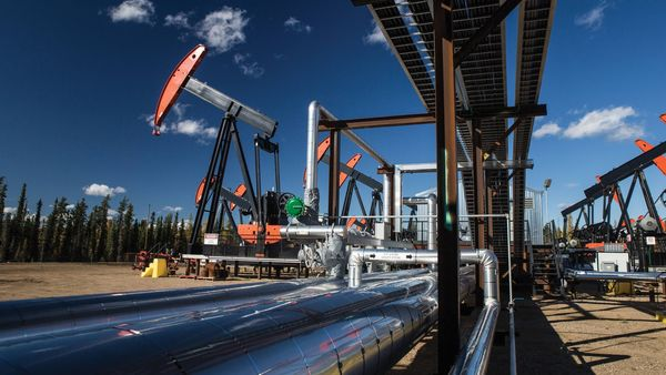 Any abrupt halt to new oil and gas projects by next year still appears unlikely, however, as energy majors' spending plans still tilt heavily towards hydrocarbons, and oil-producing nations such as Norway plan new licensing rounds. (imperialoil.ca)