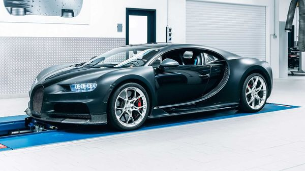 The Chiron 4-005 is one of the eight prototypes of the fastest and one of the most exotic cars from the French hypercar manufacturer, developed to fine-tune the performance.