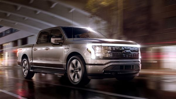 The F-150 Lightning will come with dual electric motors, one on each axle, and will achieve 563 horsepower and a staggering 1,050 Nm of peak torque, making it the most powerful F-150 available. In terms of acceleration, the F-150 Lightning can go from 0 to 100 kilometres per hour in just four seconds.
