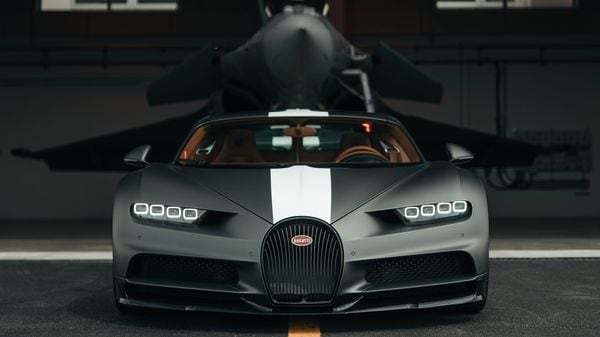 It was a scene to marvel at when the limited-edition Chiron Pur Sport with its 8.0-liter W16 engine with an ability to produce a whopping 1,500 hp and 1,600 Nm of torque took on a two turbojets fighter plane capable of churning nearly 58,550 newtons of thrust, that is equal to approximately 5,727 hp.